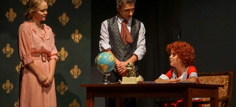 Annie drama production